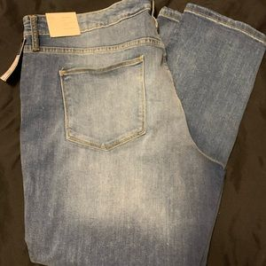 Universal Thread Size 22 Brand New Jeans